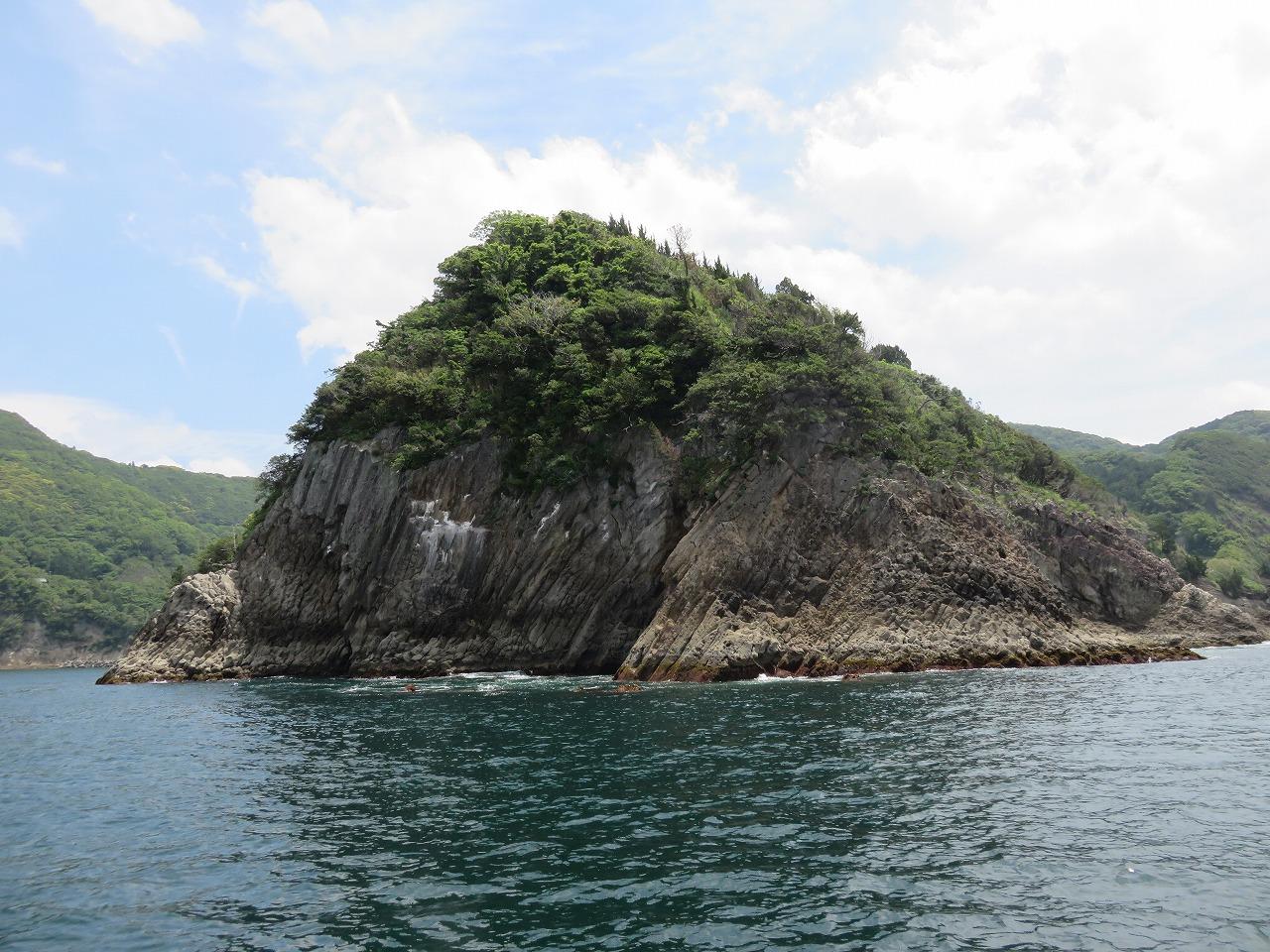 岩地の防波堤
