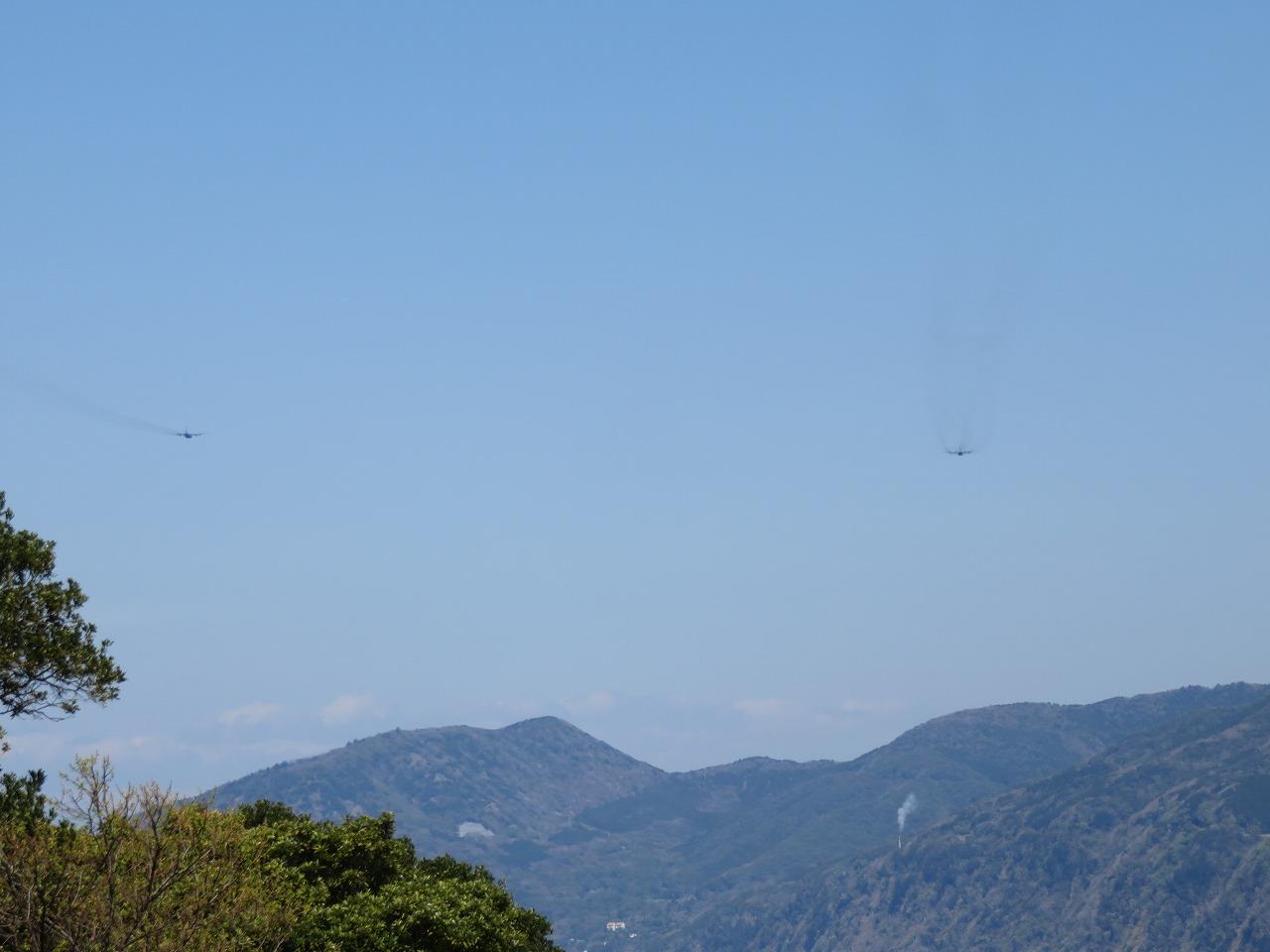 二機の飛行機